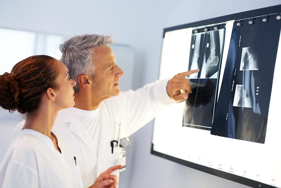 Лечение суставов в германии стоимость операции по замене тазобедренного сустава в моники
